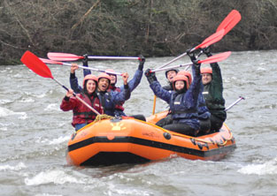 groups white water rafting on wye